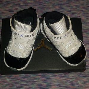 Baby Concords Jordan 11 retro size 5c